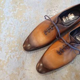 靴を染める「パティーヌ」