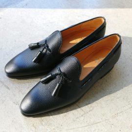 自分オリジナルのデザインで靴・カバンを作る。